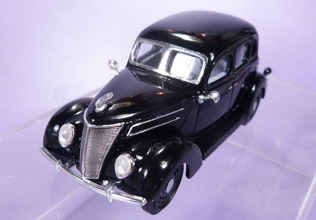 1937 ford 4 door sedan 1 43 for 1937 ford sedan 4 door